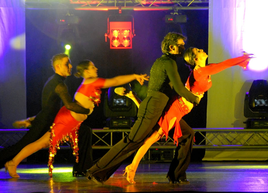 tanzstudio 20100525 1619171218 - Tanzshow Fire on Stage 2007