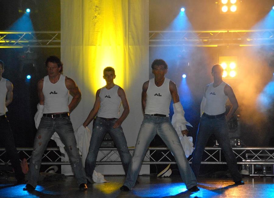 tanzstudio 20100525 1848146113 Tanzshow Fire on Stage 2007