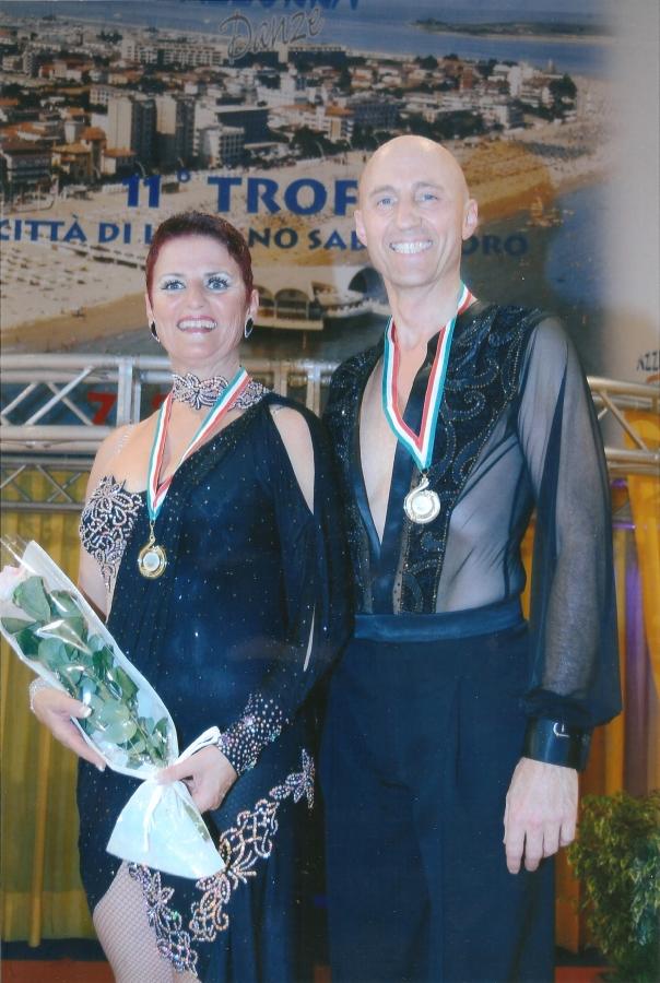 Tanzstudio Turnier und Sporttänzer 24 Ballerini di tornei e sportivi